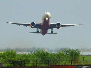Airlines in India seek emergency credit from oil firms, airports