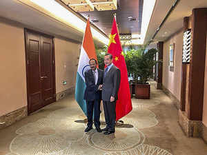 'China, India made constructive proposals for early solution to border dispute'