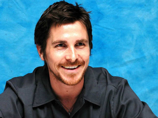 dark knight batman christian bale wants privacy over