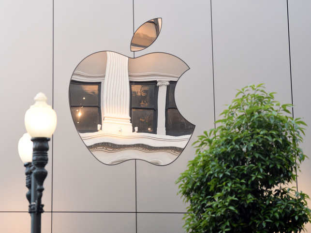Apple launches free coding education program for students
