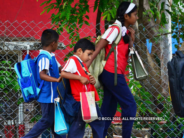Sarkar Fixes Weight of Classroom Satchels - The Economic Times