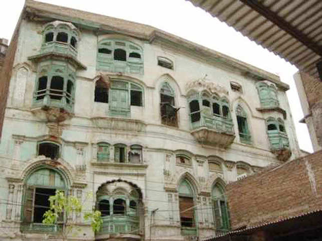 Rishi Kapoor S Ancestral Home In Peshawar To Become A Museum