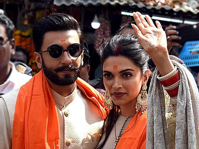 Deepika, Ranveer visit Siddhivinayak Temple