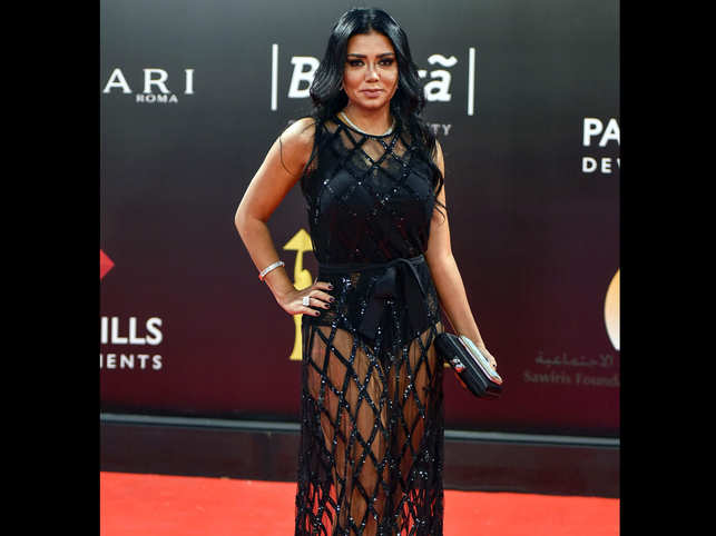 Egyptian actress apologises over see-through dress which could see her jailed