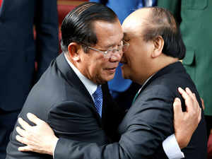 Cambodian premier says no to foreign military bases