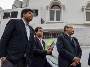 Robert Vadra lawyer claims ED officials didn't show any search warrant