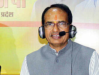 Kamal Nath in Delhi; Shivraj Singh Chouhan holds e-chat with all candidates