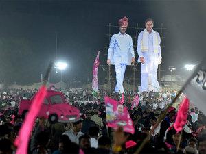 Chandrababu  Naidu blitz boomerangs, clouds role on national stage