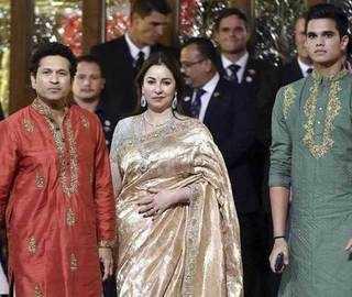 Sachin Tendulkar, Harbhajan Singh Attend Isha Ambani's Wedding