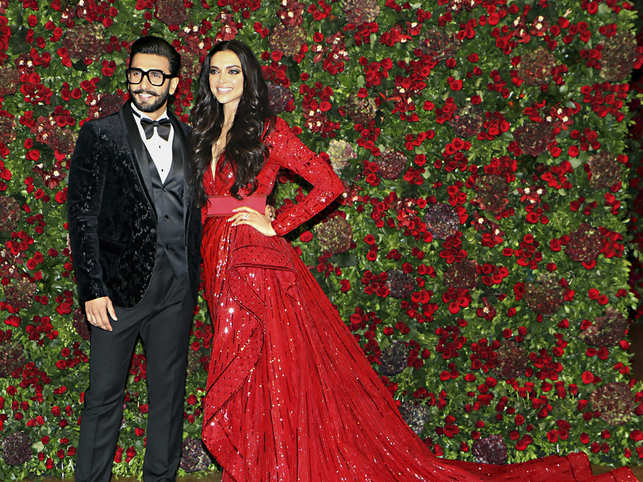 Isha Ambani pre-wedding bash: DeepVeer burn the dance floor, watch videos