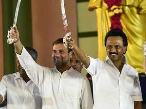 DMK's MK Stalin proposes Rahul Gandhi as PM candidate for 2019 polls