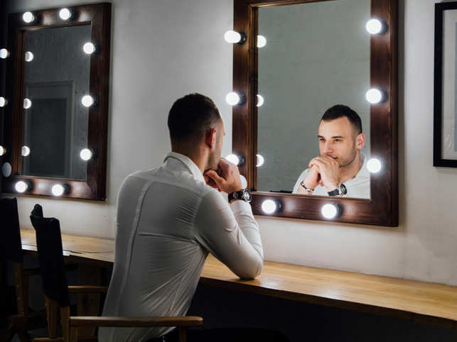 mirror-man-looks_GettyImages