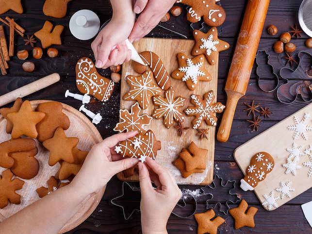 christmas-cooking-baking-food-eat-cookies-GettyImages-954428558