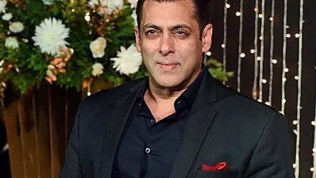 Salman Khan turns 53, celebrates birthday at Panvel farmhouse