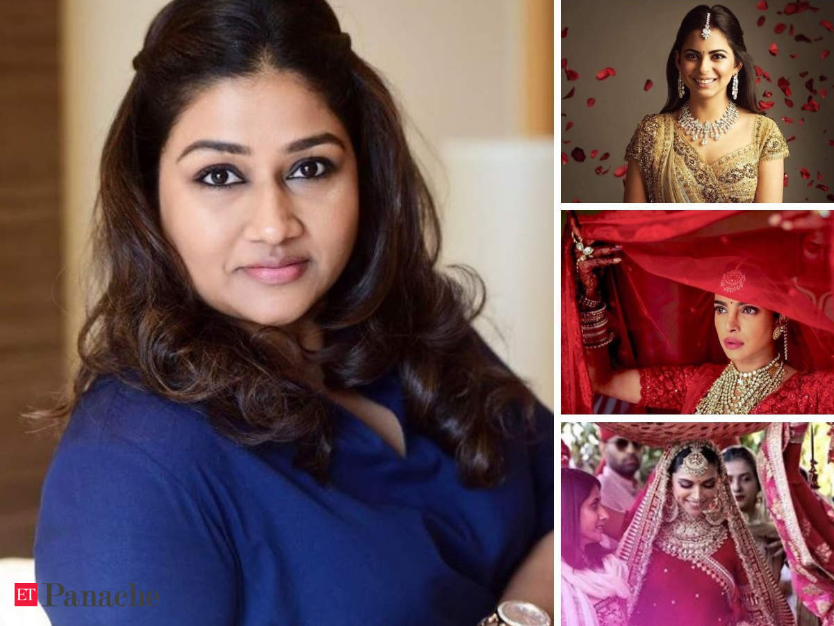 How Dolly Jain Went From A Housewife To Celebrity Saree Draper For