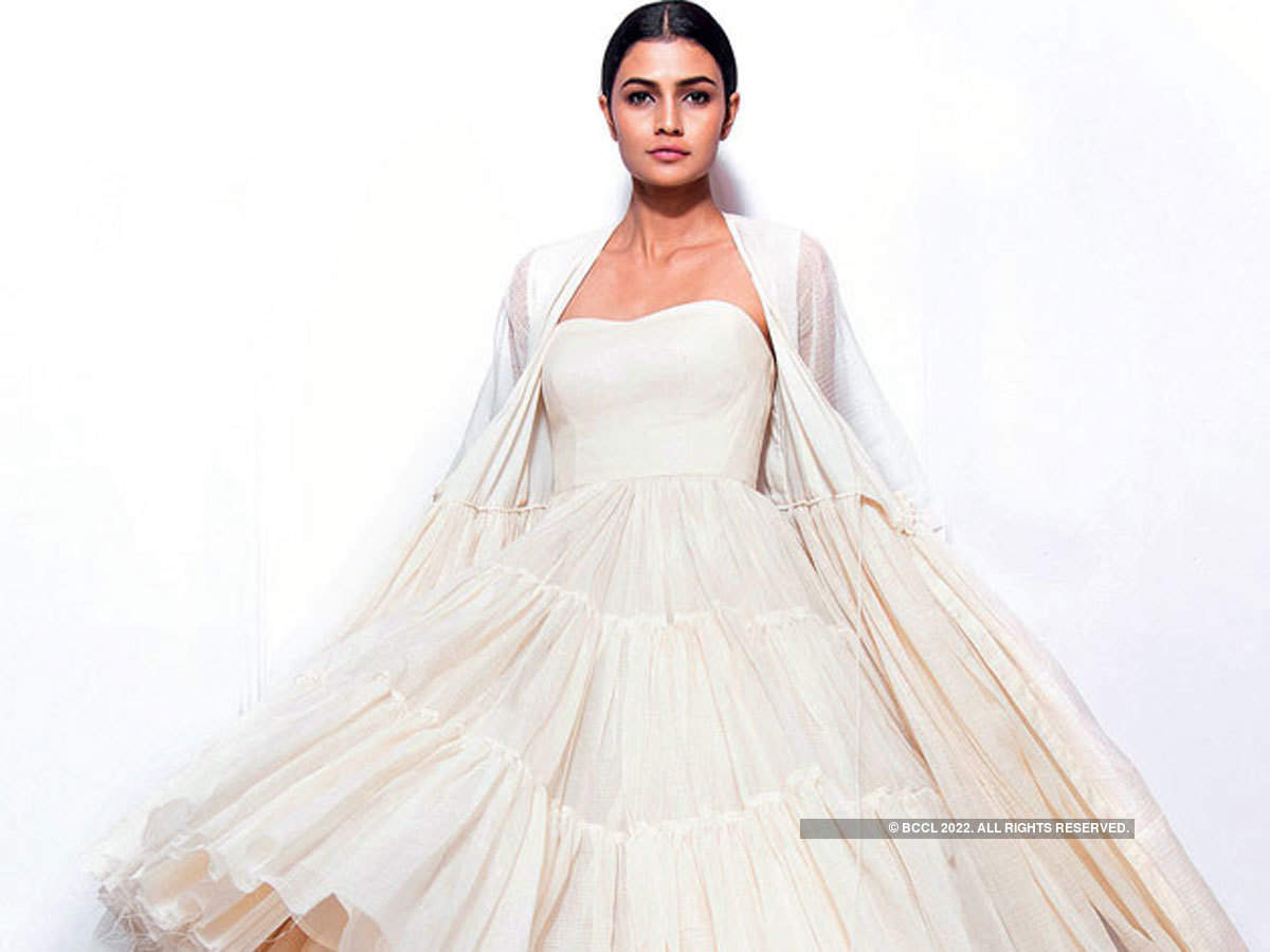 f645a307b 19 fashion trends that are likely to reign in 2019 - The Economic Times