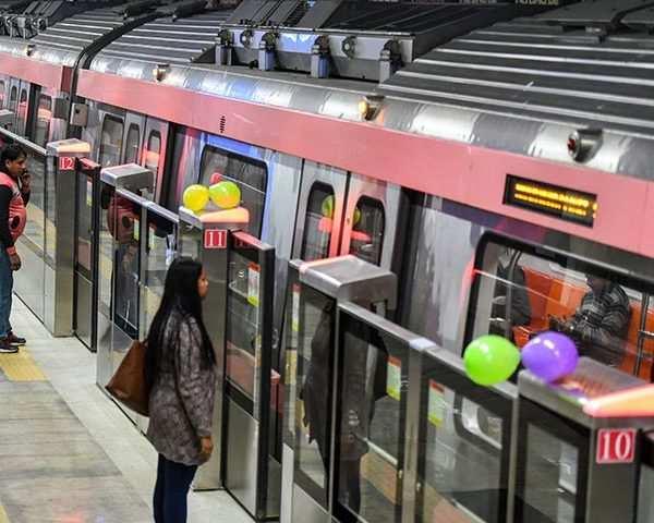 Delhi Metro Lajpat Nagar Mayur Vihar Pocket 1 Corridor Of Pink Line Opens For Public
