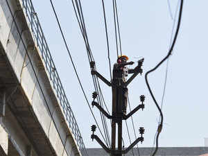 With 1 million homes still in the dark, Modi government misses power goal