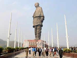 Statue-PTI