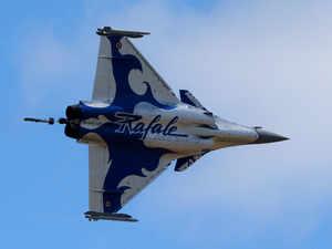 Dassault business jet deliveries down, Rafale higher