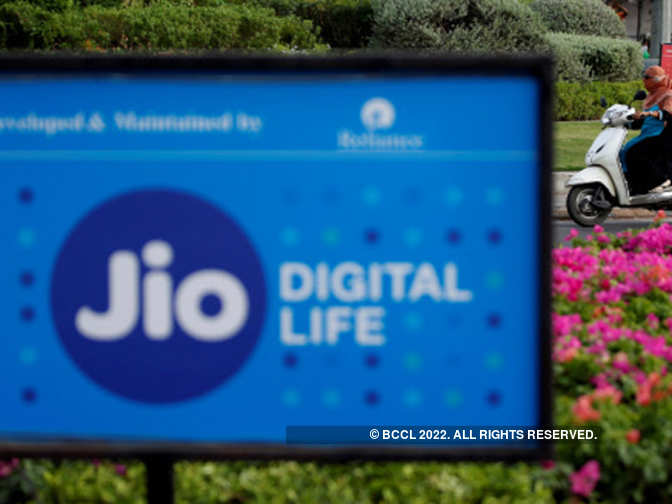 Reliance Jio takes first big step into fintech, enters PoS