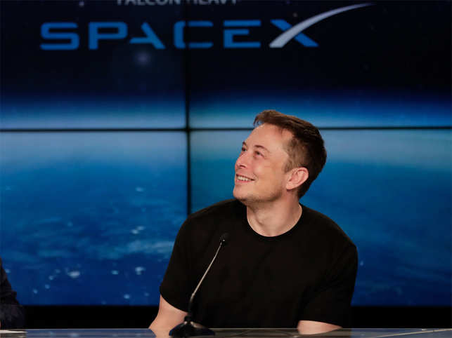 elon musk in a first elon musk offers a glimpse at spacex s