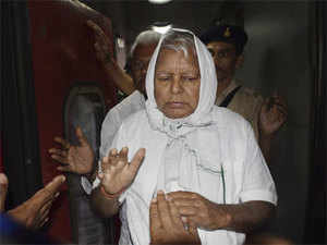 Lalu Prasad Yadav uses Urdu verse to say he has not lost nerve despite failing health