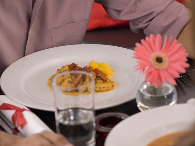 water-glass-food-restaurant_GettyImages