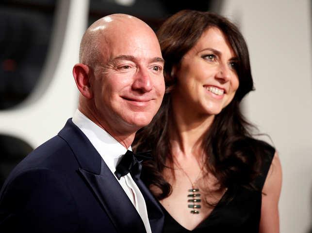 Jeff and MacKenzie Bezos (R)