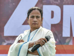 Modi govt has crossed its expiry date: Mamata at Kolkata rally