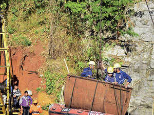 Meghalaya-mining-rescue