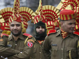 R-Day: Police, paramilitary participate in full dress rehearsal in Kashmir
