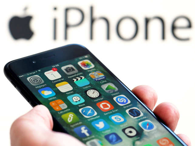 AppleiPhone1