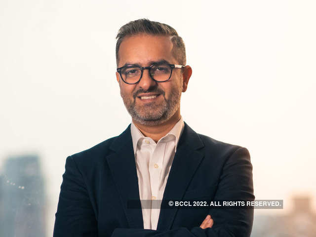 Work At 30,000 Ft: How Vikas Oberoi, Roland Folger And