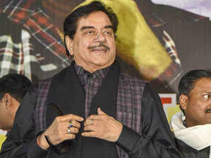 Modi govt playing with fire in Bengal: Shatrughan Sinha