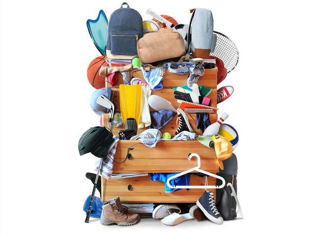 clutter-mess-junk-drawer-Ge