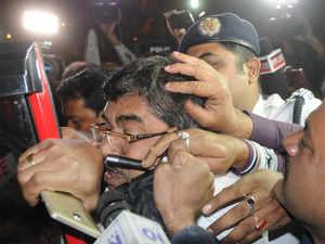CBI-Kolkata police face-off: 5 top cop to face government action