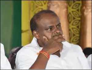 PM Modi demolishing country's democracy & misleading people: HD Kumaraswamy