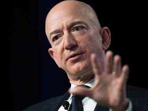 Amazon CEO Jeff Bezos accuses Enquirer of 'blackmail' over intimate photos