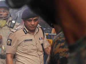 Kolkata Police chief faces CBI grilling in chit fund scam cases for fifth day in a row