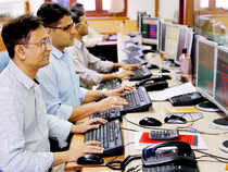 stock-brokers-at-BSE-PTI