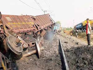goods-train-derail-rep