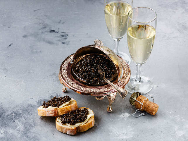 champagne-caviar-GettyImage