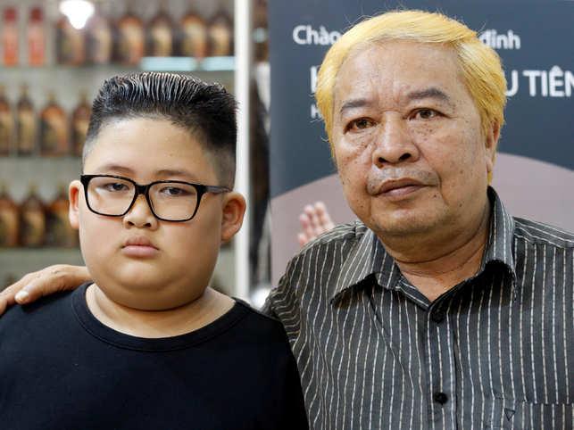 Kim Jong Uns Unique Do Or Tan Locks Like Donald Trump Hanoi Barber