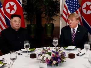 Vietnam summit: Trump, Kim sit down for dinner before nuke talks