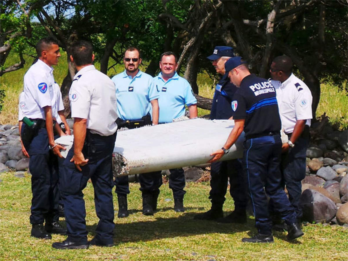 Malaysia Airlines Flight MH370: Latest News & Videos, Photos about