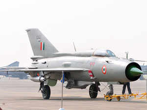 India dogfight loss raises questions about its 'vintage' military