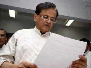Ahmed Patel questions EC, links poll dates to PM's rally schedule