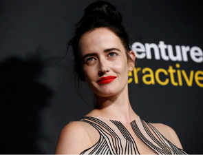 Bond girl Eva Green says 007 should always be played by a man