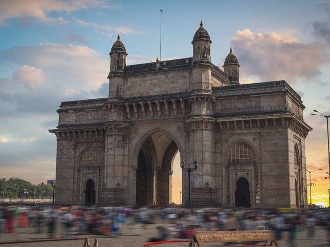 Mumbai-gateway-of-india-tra
